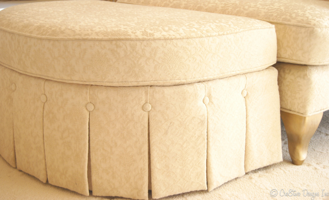 asterbedroom Suite ottoman