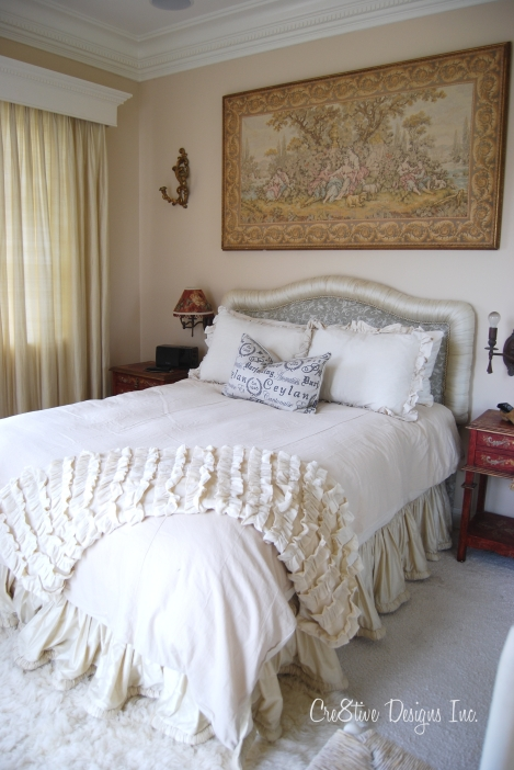 Guest bedroom with uphostered headboard