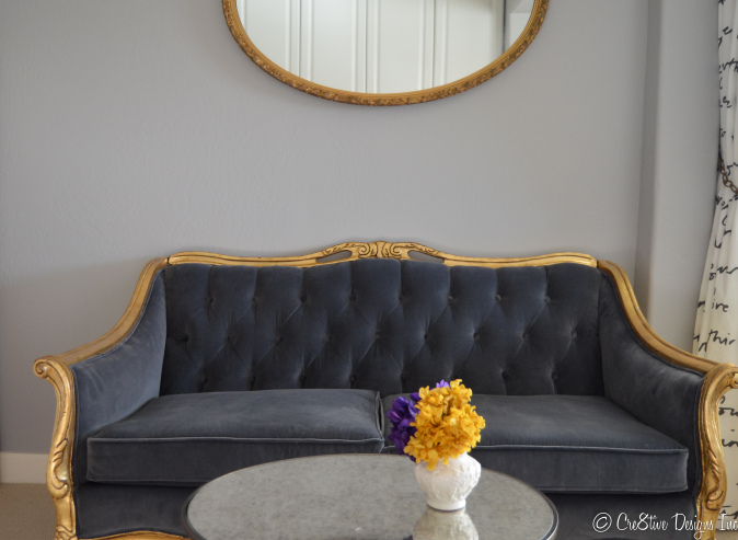 Grey tDiamond tufted settee