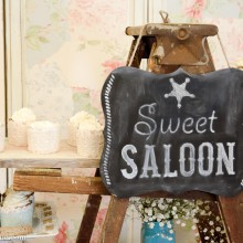 sweet saloon cupcake ladder