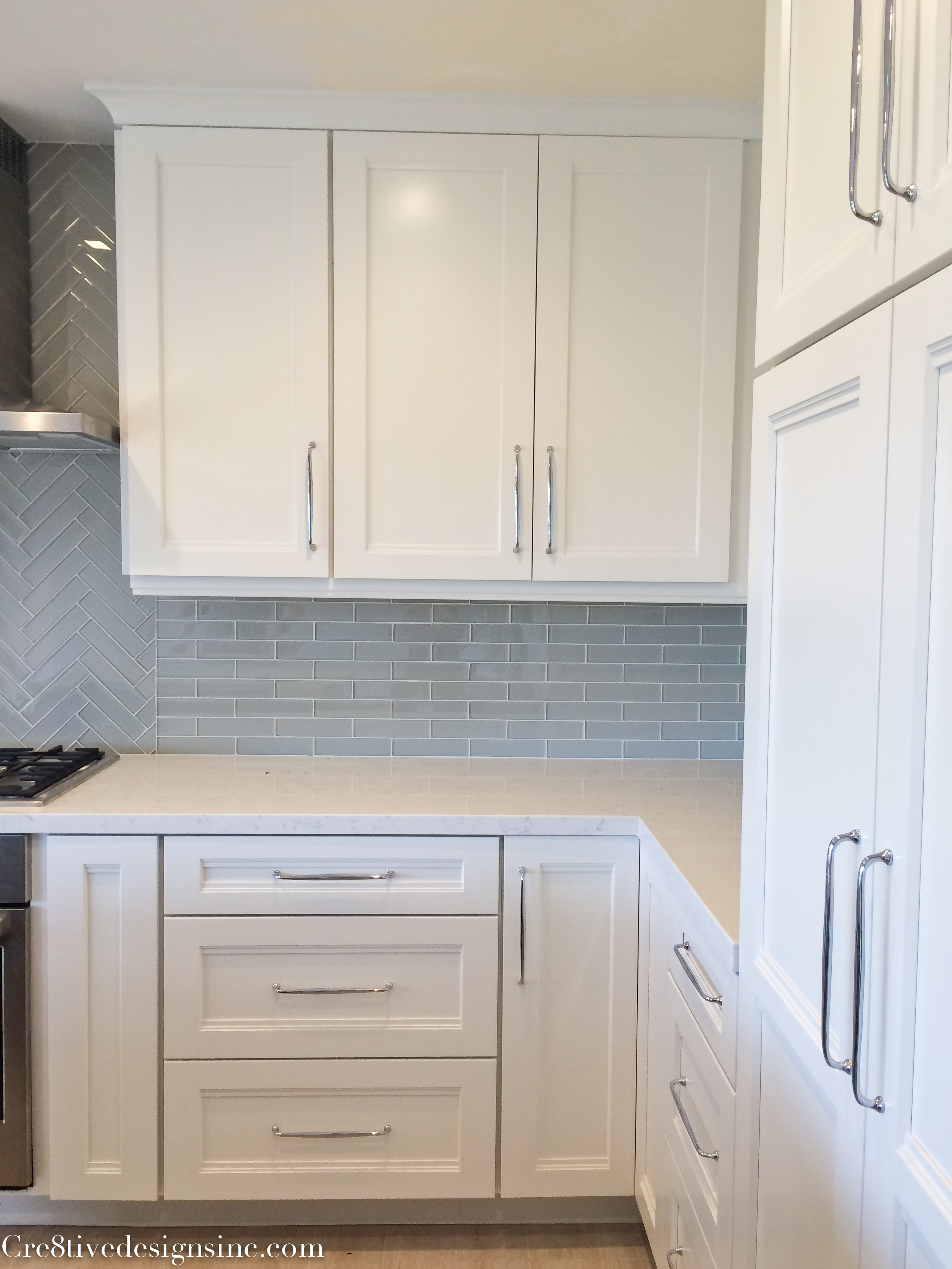 Kitchen remodel using lowes cabinets cre8tive designs inc for Kitchen cabinet hardware